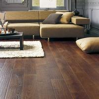 Laying laminate floors